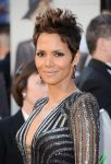 Celebrities Wonder 12876200_halle-berry-2013-oscar_3.jpg