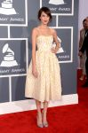 Celebrities Wonder 17680382_alexa-chung-2013-grammy_1.jpg