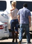 Celebrities Wonder 17774052_britney-spears-malibu_5.jpg