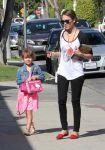 Celebrities Wonder 18887186_jessica-alba-daughter_3.jpg