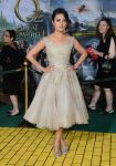 Celebrities Wonder 21631004_Oz-The-Great-and-Powerful-premiere_2.jpg