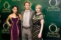Celebrities Wonder 21890835_ Premiere-of -Oz-The Great-and-Powerful-Moscow_4.jpg