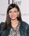 Celebrities Wonder 25439607_Beautiful-Creatures-NYC-screening_Victoria Justice 3.jpg