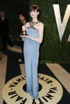 Celebrities Wonder 2604261_anne-hathaway-vanity-fair-oscar-party_1.jpg