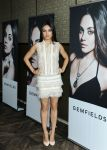 Celebrities Wonder 26368829_mila-kunis-gemfield_2.jpg