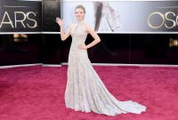 Celebrities Wonder 28555024_amanda-seyfried-2013-oscars_1.jpg