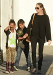 Celebrities Wonder 29713580_angelina-jolie-children_1.jpg