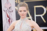 Celebrities Wonder 38603555_amanda-seyfried-2013-oscars_3.jpg