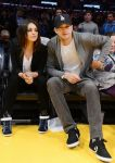 Celebrities Wonder 49316844_mila-kunis-Lakers-VS-Phoenix-Suns-Game_1.jpg