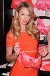 Celebrities Wonder 53689504_Valentines-Day-event-Victorias-Secret_4.jpg