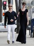 Celebrities Wonder 55362470_anne-hathaway-maxi-dress_1.jpg