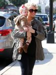 Celebrities Wonder 61842641_jessica-simpson-daughter_5.jpg