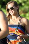 Celebrities Wonder 67102637_hailry-duff-hawaii_5.jpg