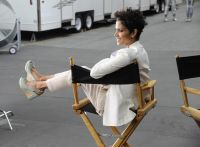 Celebrities Wonder 71643807_halle-berry-5th-Avenue-Collection-Filming_7.jpg