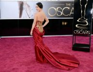 Celebrities Wonder 726445_olivia-munn-2013-oscars_3.jpg