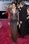 Celebrities Wonder 79761073_halle-berry-2013-oscar_2.jpg
