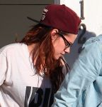 Celebrities Wonder 80352557_kristen-stewart-leaving-house_4.JPG
