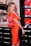 Celebrities Wonder 8191817_Valentines-Day-event-Victorias-Secret_3.jpg
