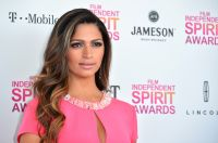 Celebrities Wonder 82596414_camila-alves-spirit-awards_3.jpg