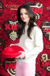 Celebrities Wonder 83054996_katie-holmez-godiva_4.jpg