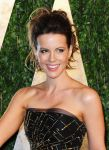 Celebrities Wonder 83925321_kate-beckinsale-2013-Vanity-Fair-Oscar-Party_3.jpg