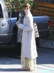 Celebrities Wonder 91159394_anne-hathaway-meeting_5.jpg