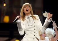 Celebrities Wonder 92707221_taylor-swift-grammy-performance-2013_8.jpg