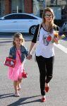 Celebrities Wonder 98660688_jessica-alba-daughter_5.jpg