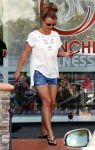 Celebrities Wonder 14408196_britney-spears-kfc_1.jpg