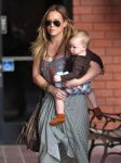 Celebrities Wonder 15830288_hilary-duff-at-Babies-First-Class_5.jpg