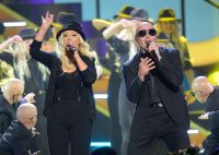 Celebrities Wonder 16051938_christina-aguilera-2013-kids-choice-awards_6.JPG