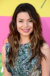 Celebrities Wonder 19382229_miranda-cosgrove-kids-choice-awards-2013_8.jpg