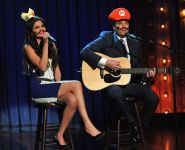 Celebrities Wonder 22993626_selena-gomez-Late-Night-with-Jimmy-Fallon_8.jpg