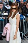 Celebrities Wonder 23679384_eva-mendes-The-Daily-Show_4.jpg