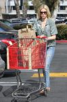 Celebrities Wonder 26917537_elizabeth-banks-shopping_2.jpg