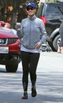 Celebrities Wonder 35409644_katy-perry-jogging_1.jpg