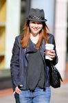 Celebrities Wonder 42851812_alyson-hannigan-shopping_5.jpg