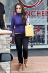 Celebrities Wonder 50704884_britney-spears-salon_3.jpg