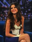 Celebrities Wonder 55360944_selena-gomez-Late-Night-with-Jimmy-Fallon_7.jpg