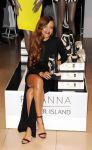Celebrities Wonder 5915788_rihanna-for-river-island-launch_2.jpg