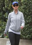 Celebrities Wonder 65925588_katy-perry-jogging_7.jpg