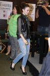 Celebrities Wonder 78632317_lily-collins-Clockwork-Princess-book-release-event _1.jpg