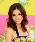 Celebrities Wonder 80803016_victoria-justice-kids-choice-awards-2013_4.JPG