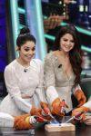 Celebrities Wonder 8180599_vanessa-hudgens-selena-gomez-El-Hormiguero_5.jpg