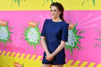 Celebrities Wonder 82682977_kristen-stewart-kids-choice-2013_9.JPG