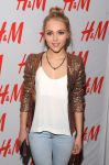 Celebrities Wonder 88194535_annasophia-robb-HM-Denim-Days_6.jpg