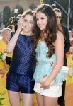 Celebrities Wonder 90557721_selena-gomez-kids-choice-awards-2013_4.JPG