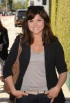Celebrities Wonder 92023762_John-Varvatos-2013-Stuart-House-Benefit_Tiffani Thiessen 2.jpg