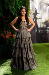 Celebrities Wonder 92753046_oz-london-premiere_Mila Kunis 1.jpg