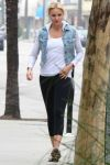 Celebrities Wonder 96388634_cameron-diaz-leggings_3.jpg